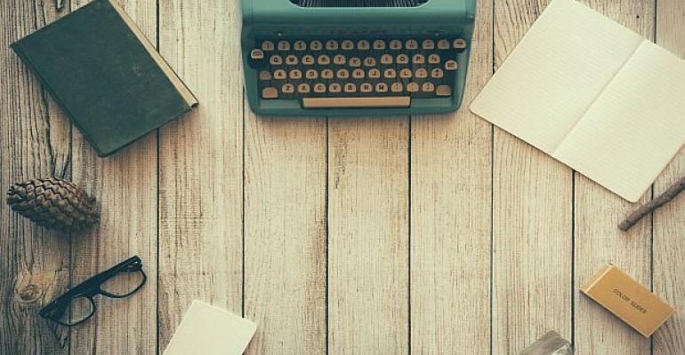 Food and Beverage News_Typewriter