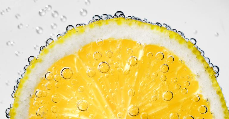 Sparkling Water With Lemon