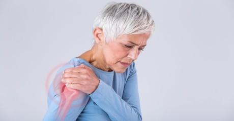 senior woman shoulder pain_1563255121.jpg
