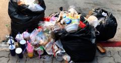 Pile of Garbage plastic black_778432729.jpg